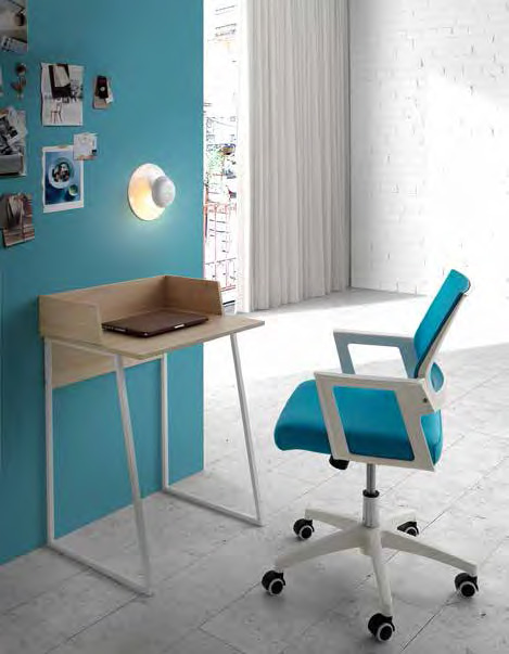 Mesa pequeña de escritorio de estilo nórdico