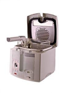 Freidora eléctrica limpia