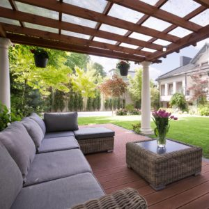 Jardín cómodo para hacer la barbacoa
