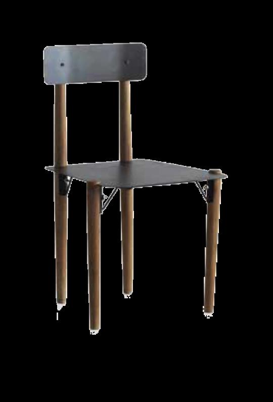 Silla con patas de madera y asiento metálico